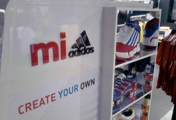 shelf adidas store champs elysees