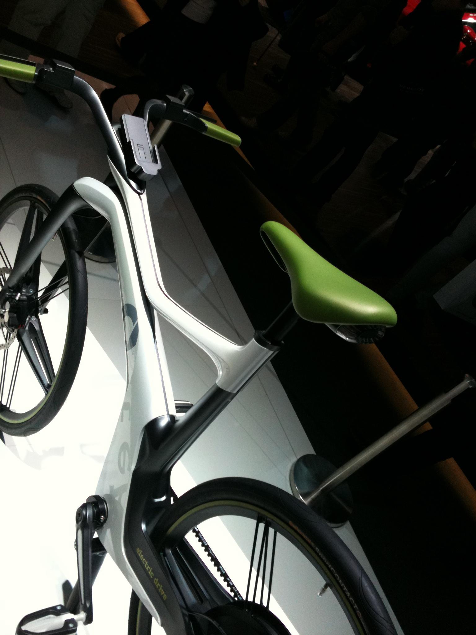 how would we ride on apple s patented smart bike. Black Bedroom Furniture Sets. Home Design Ideas