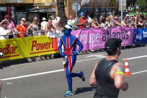 ironman-nice-2013-union-jack-morphsuit-runners