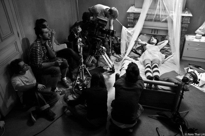 SFR Cinema Edward Alexandre Dinaut Around The Bed