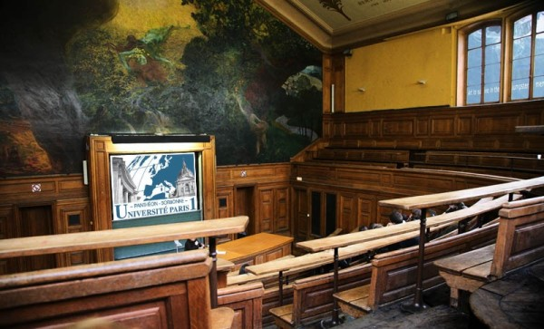 """The Amphithéâtre Oury (or """"Amphi de Gestion"""") where the conference takes place"""